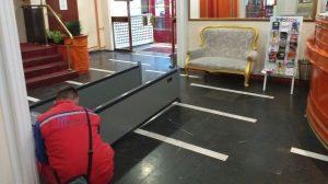 Hotel Kasina metel detektor vrata